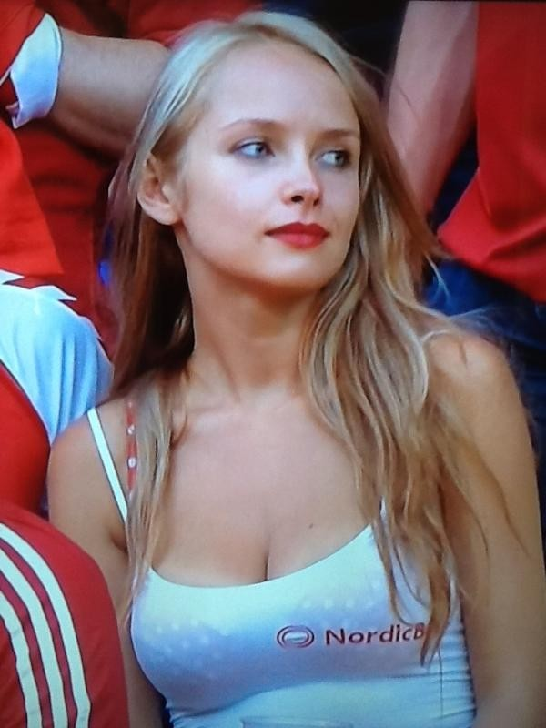 The Hot Women Thread - Page 8 - Euro 2012 Forum - Sports ...