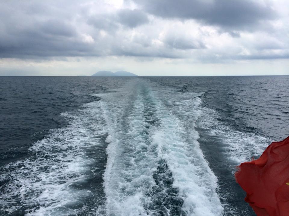 Tàu đưa khách ra đảo Nam Du từ Rạch Giá