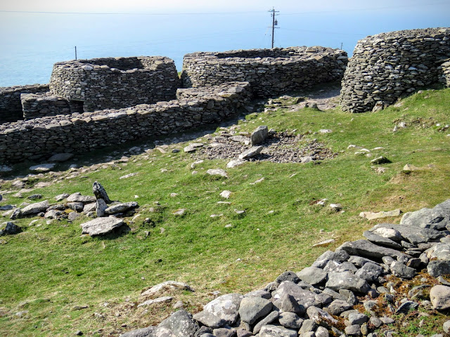 What to see in Dingle - beehive huts
