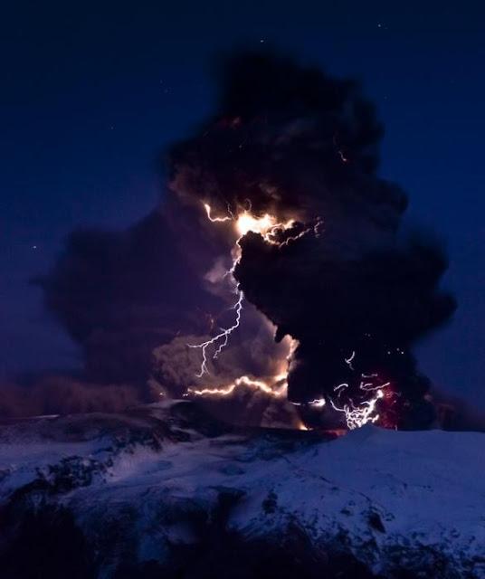 volcano lightning studied eyjafjallajokull iceland