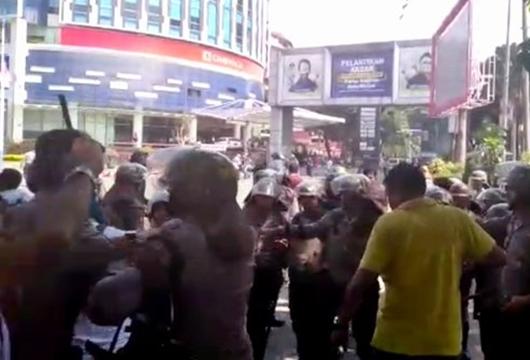 Kronologi Dua Kubu Pro dan Kontra Jokowi Bentrok di Medan, Ini Faktanya