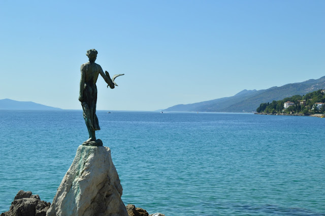 Opatija- Maiden with the seagull 2