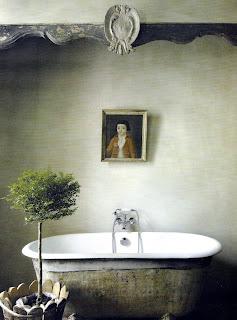 Bathing Room via Maisons Côté Sud Dec 05-Jan06, edited by lb for linenandlavender.net
