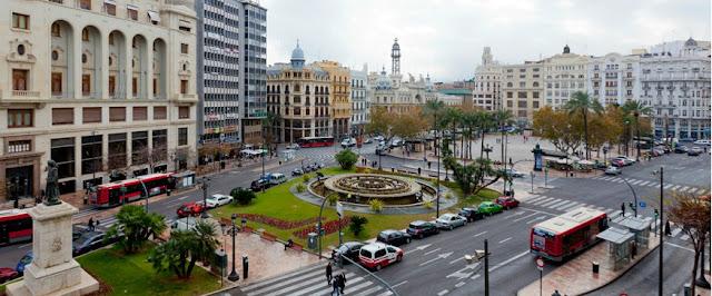 Valência (Espanha) em 5 praças! Plaza de Ayuntamiento