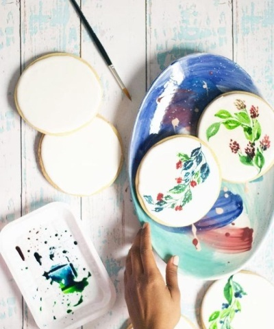 1. DIY Watercolor Floral Cookies