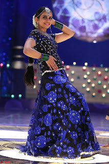 Rakul Preet Singh dance in Blue and yellow choli HD Pics from Movie Winner 006.jpg