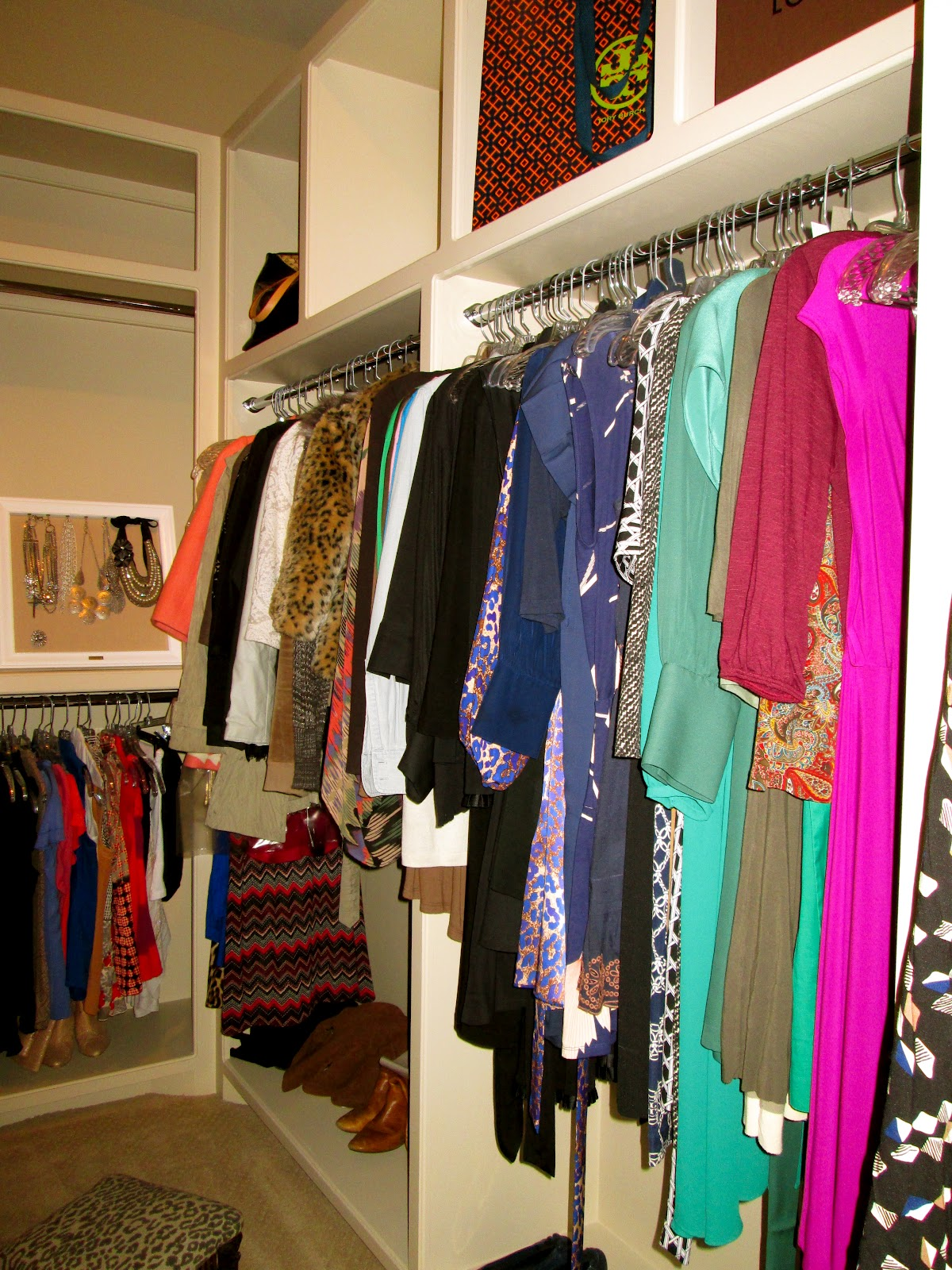 Your Closet Can Simplify Your Life The Art Of The Capsule: The Peak Of Très Chic: Pretty Organization: Closets