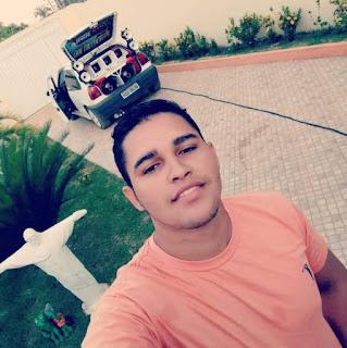 Jovem morre após colidir moto com traseira de caminhão no Piauí