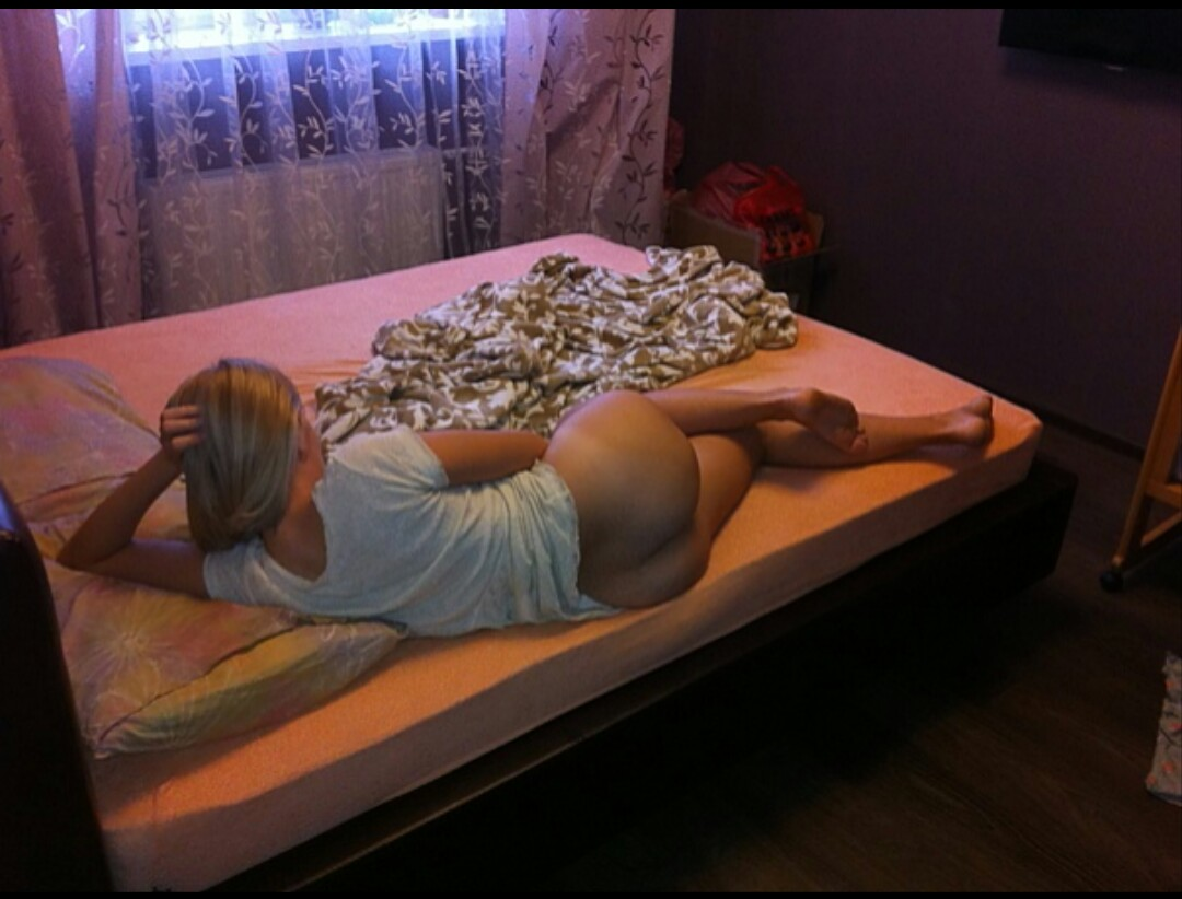 приветствую девушка в гостинице частное юлей