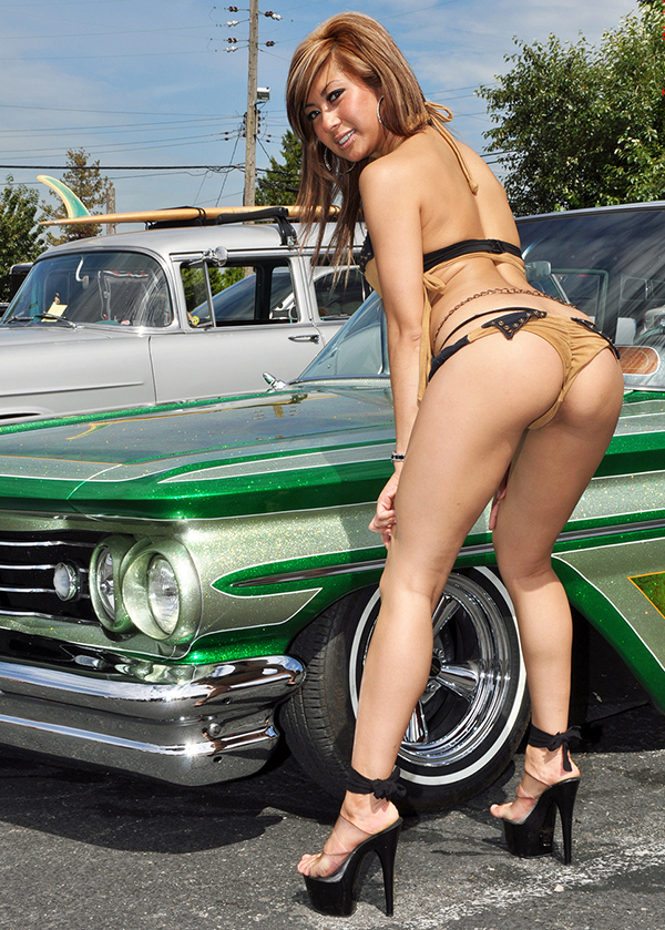 lowrider-girls-ass
