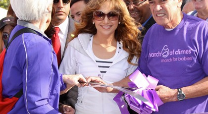 Millionaires Giving Money: Celebrities That Give Money to People
