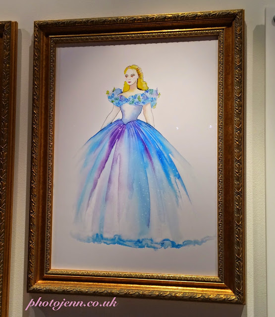 Cinderella-exhibition-movie-painting-2015