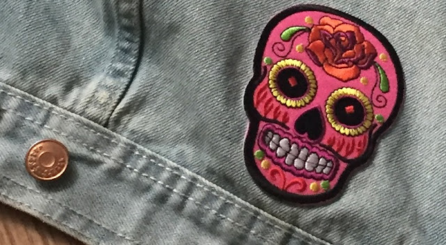 diy jeansjacke mit patches incaseofbeauty. Black Bedroom Furniture Sets. Home Design Ideas