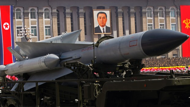Coreia do Norte lança foguete de longo alcance