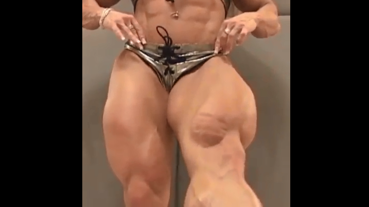 Video BIG legs, HUGE calves amateur female bodybuilder