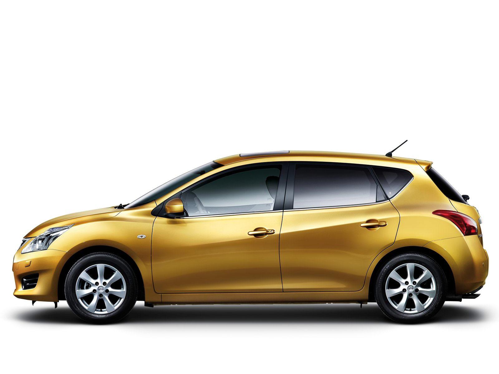 2012_Nissan-Tiida_japanese-car-wallpaper