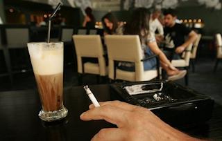 Τέλος καπνιζόντων - Απόφαση για τα ποσά και τα πρόστιμα σε επιχειρήσεις