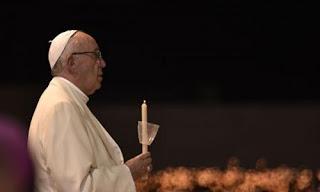 بابا الفاتيكان يُعرب عن حزنه بسبب حادث المنيا الإرهابي