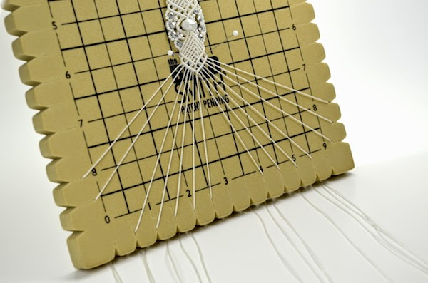 macrame boards micromacrame by raquel a review on the beadsmith 7824