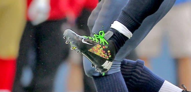 Marshawn Lynch Cleats >> Odds and Endzones: January 2012