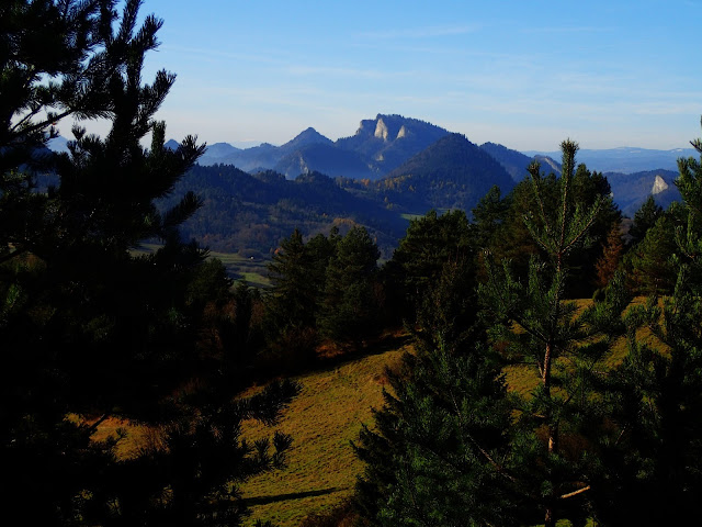 Najbardziej rozpoznawalna góra Pienin - Trzy Korony (982 m.n.p.m.)