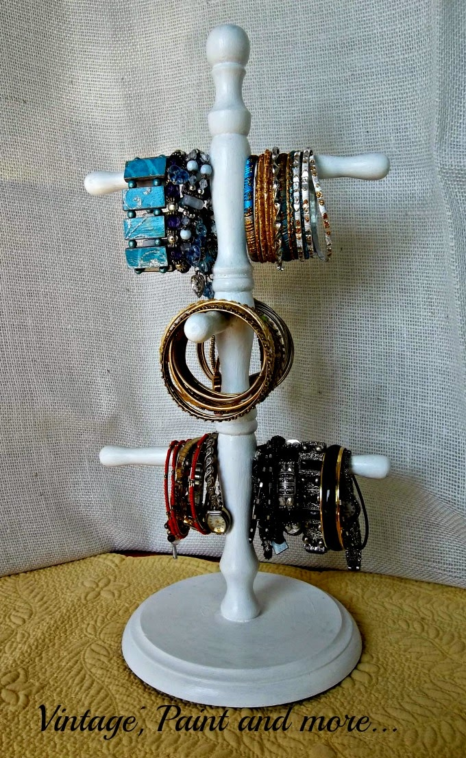 Tweak It Tuesday - bracelet organization, organization, organizer for bracelets, DIY bracelet organizer