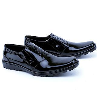 sepatu kerja pria,mode; sepatu kerja bertali,gambar sepatu pdh polisi,grosir sepatu pdh kulit asli,sepatu formal pria handmade cibaduyut bandung,grosir sepatu pantofel murah,sepatu guru pria murah,gambar sepatu pegawai bank