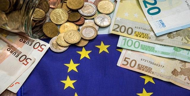 Die Zeit: Αρκετά πια με τους ελέγχους της Ελλάδας