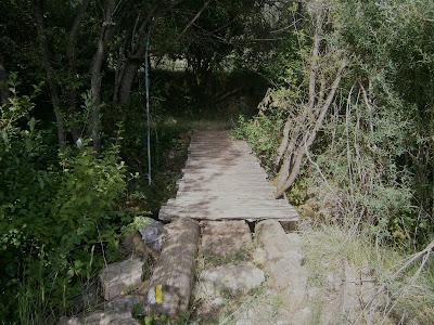 Puente sobre el río Laguna en Campillos Sierra, Serranía de Cuenca, España