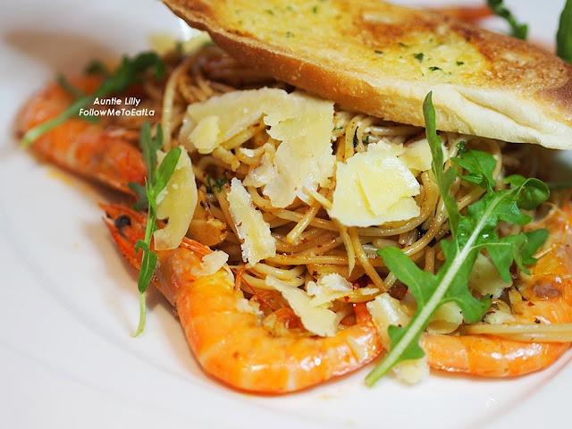 Spaghetti Aglio E Olio With Prawns RM 32 Nett
