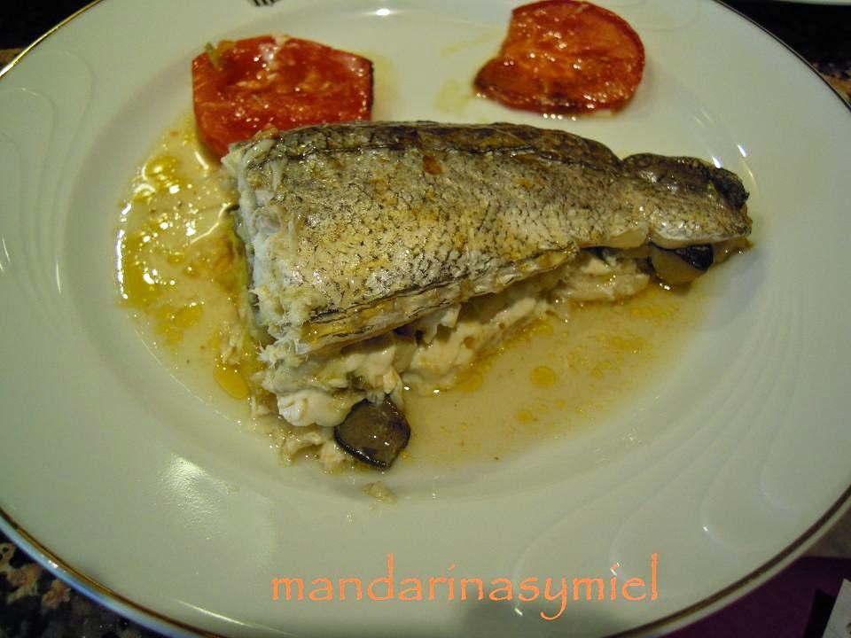 Mandarinas y miel merluza rellena de setas y gambas al for Merluza rellena al horno
