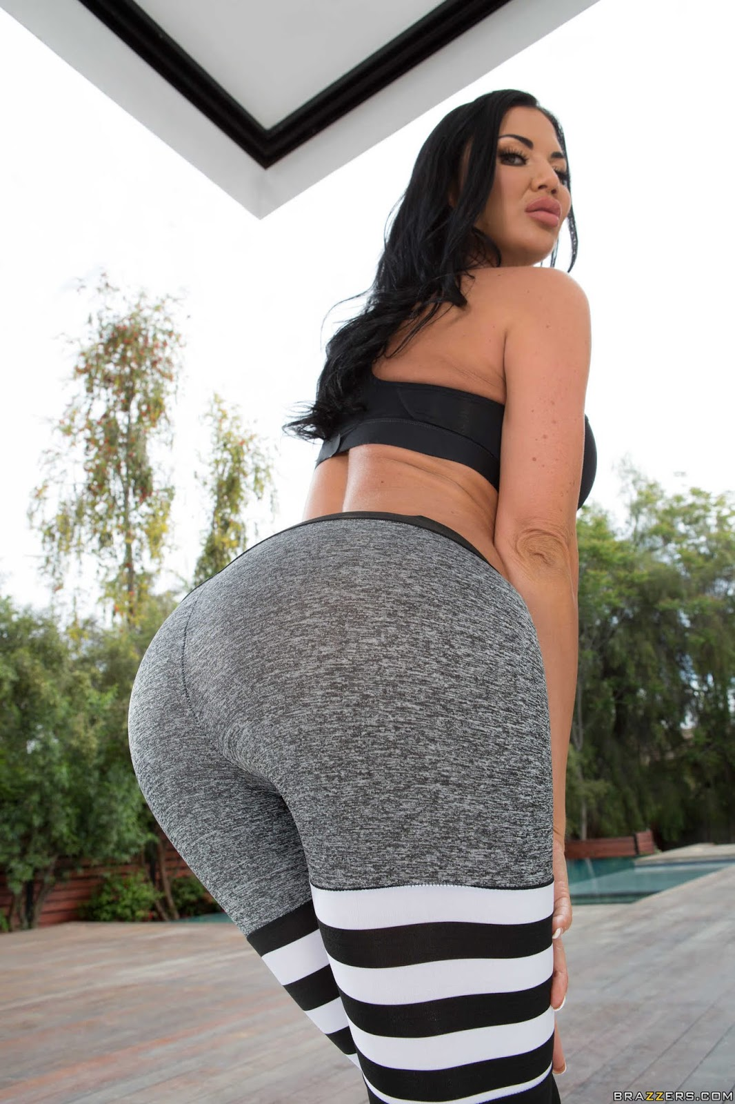 Courtney-Taylor%2C-Jasmine-Jae%3ACan-I-Bother-You-For-A-Tall-Glass-Of-Dick%23%23BRAZZERS-l6wuf4b0xp.jpg
