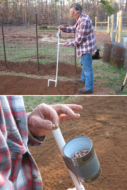 15 low cost diy gardening projects made with pvc pipes for Pvc pipe garden projects