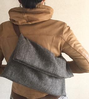 ウールリネンと革のバッグ