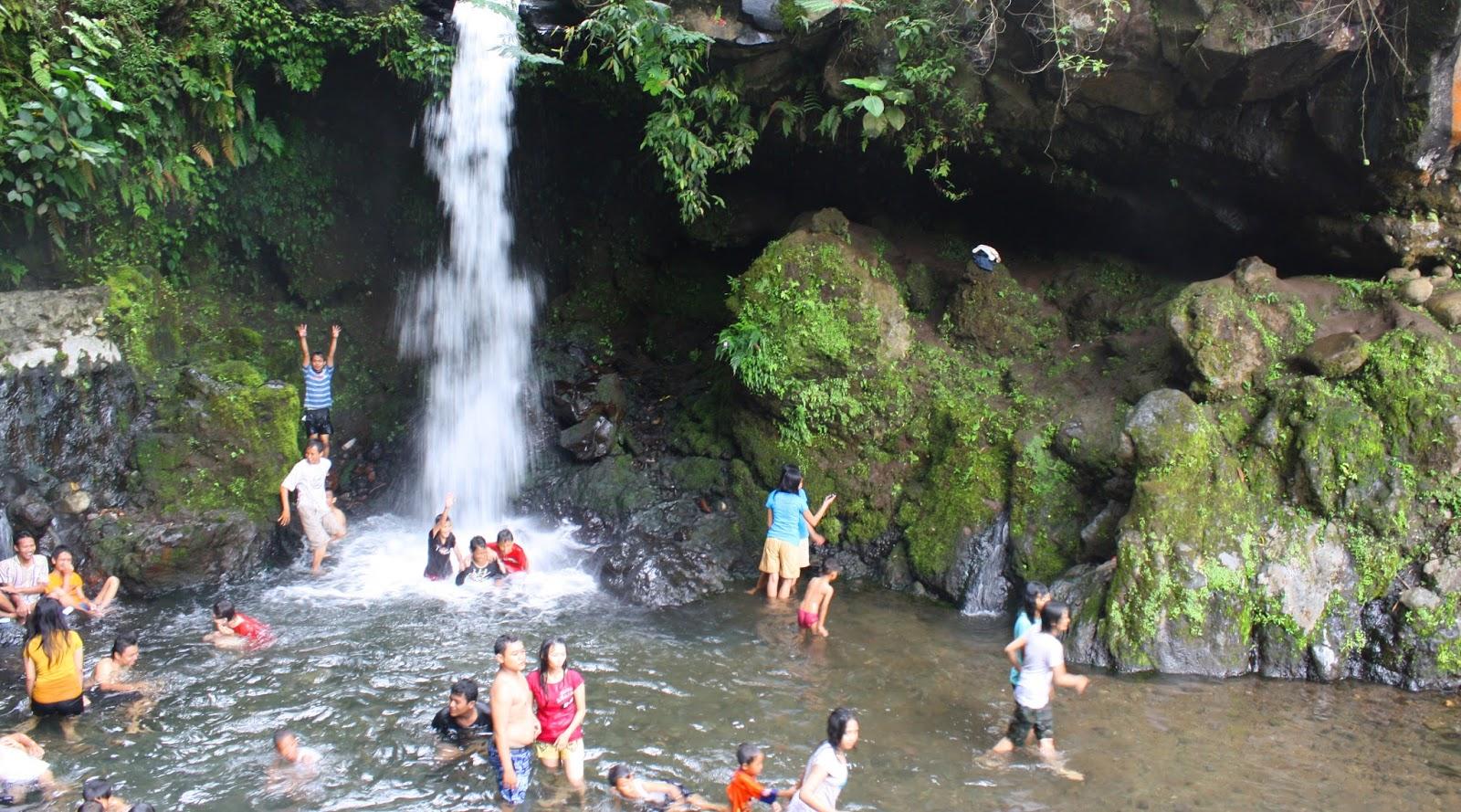 Kekayaan dari Buto Ijo di Gunung Wijil main di air terjun keramat