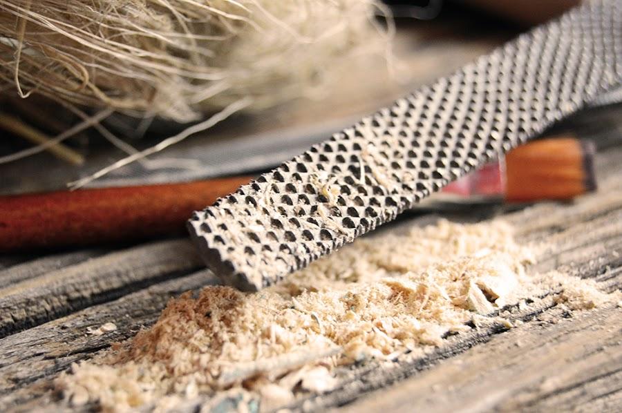Lima para terminar los agujeros en madera