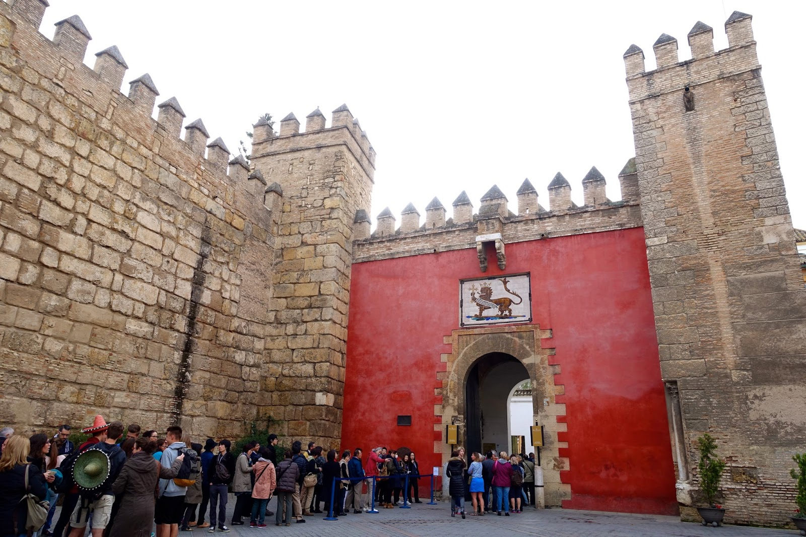jin loves to eat: Alcazar of Seville