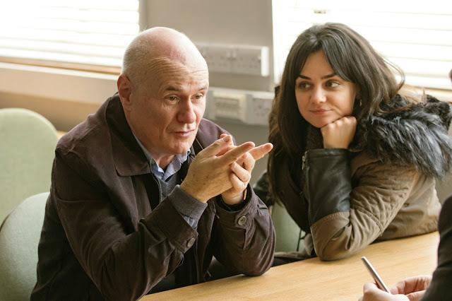 Dave Johns (Daniel Blake) et Hayley Squires (Katie Morgan) dans Moi, Daniel Blake, réalisé par Ken Loach (2016)