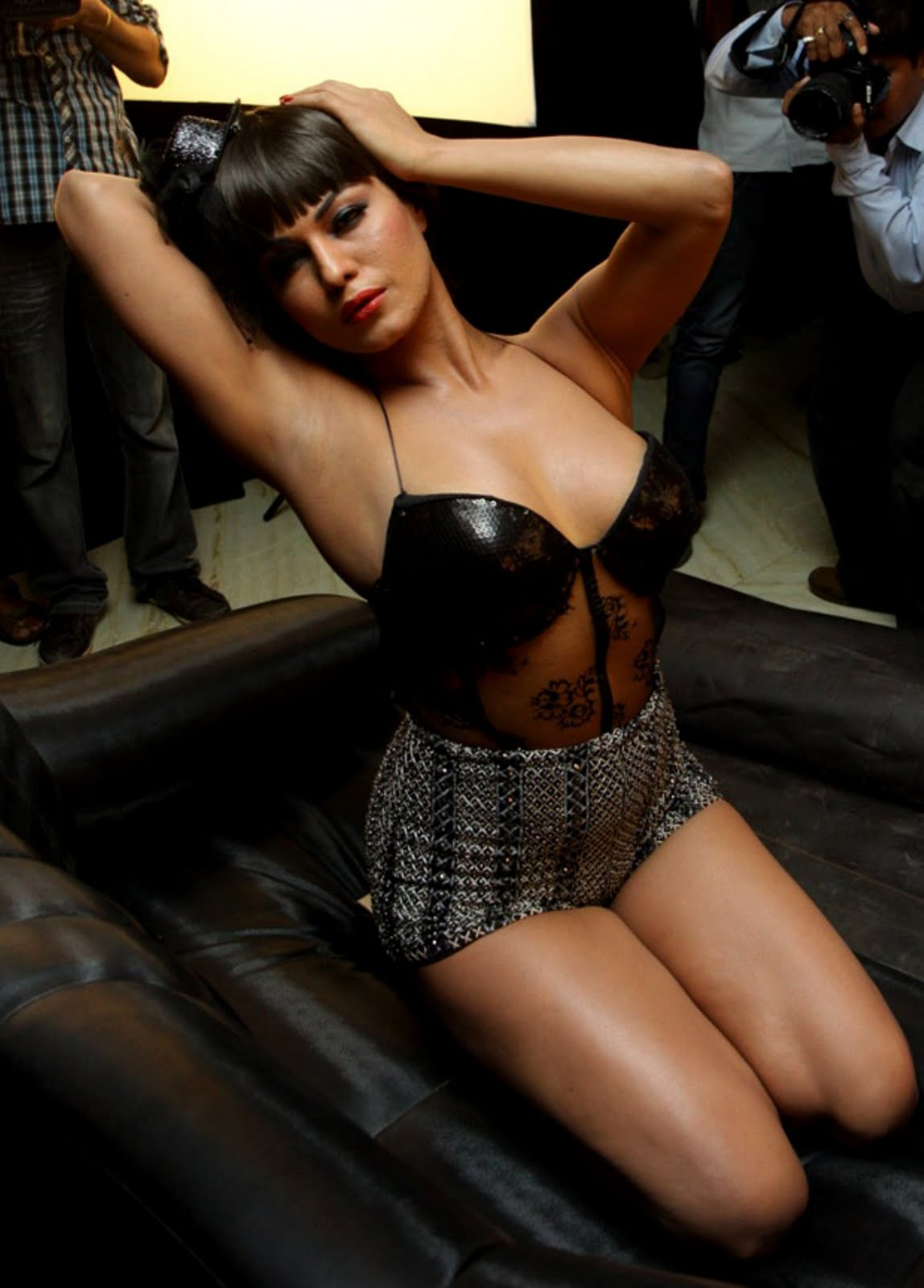 Veena Malik Hot Pics  Search India-9599