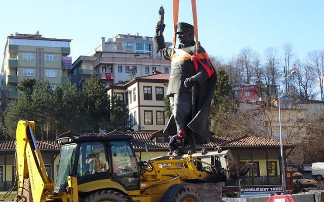 Από την πόλη Ρίζε (Ριζούντα) στον Πόντο η πρώτη απομάκρυνση αγάλματος του Κεμάλ Ατατούρκ!