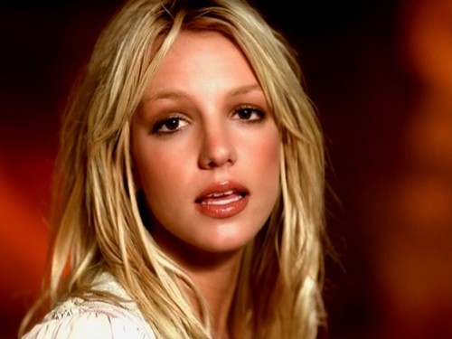 Britney Spears - I'm Not A Girl, Not Yet A Woman (Live From Las Vegas 2001)