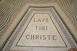 mosaico interno da igreja