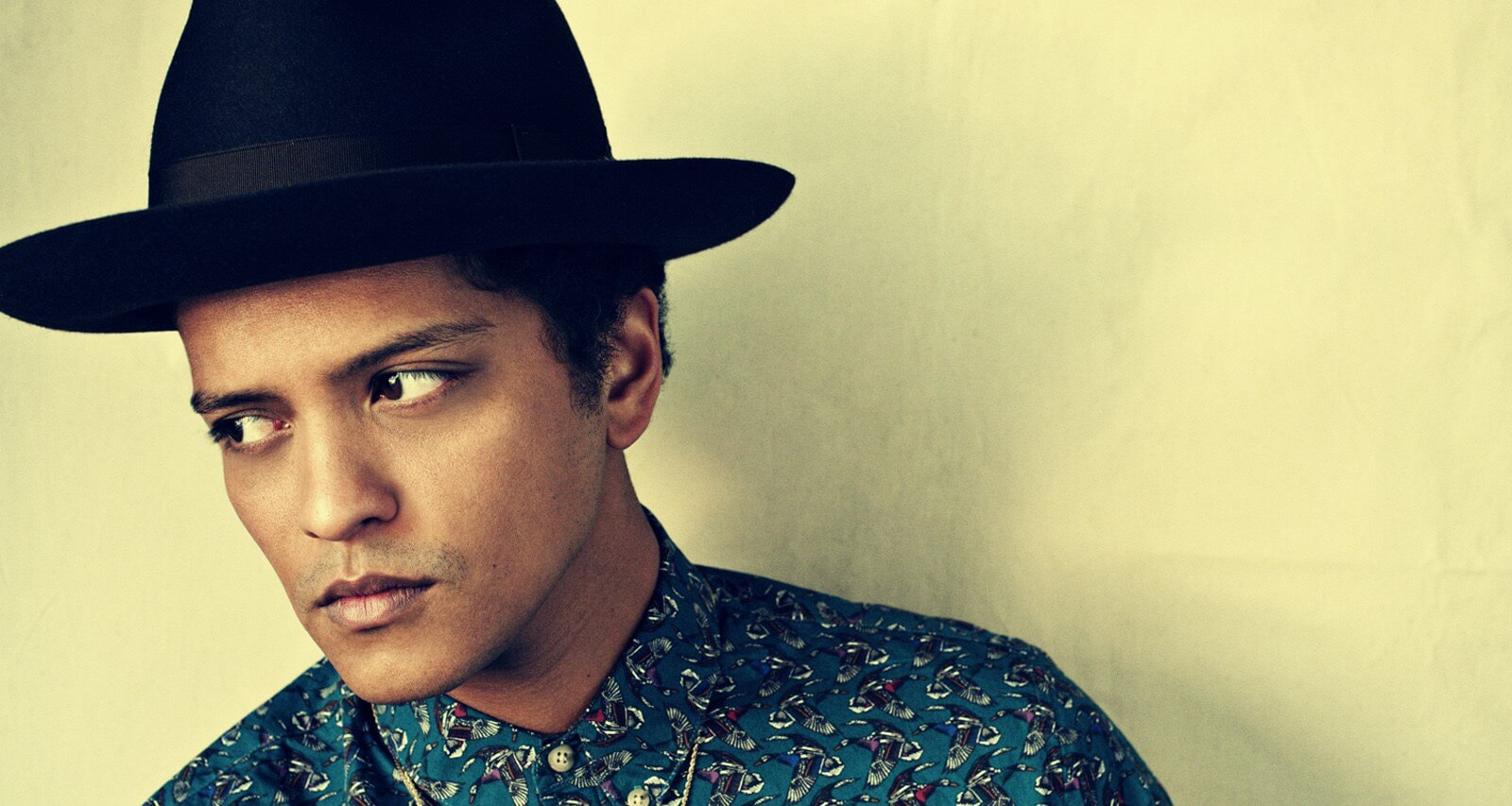 Bajista de Bruno Mars habla sobre el tercer álbum del cantante