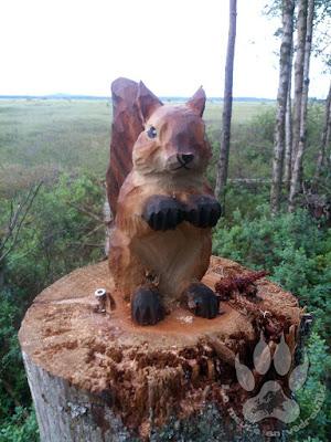 Suede-Smaland-Store-Mosse-troll-ecureuil-sculpture