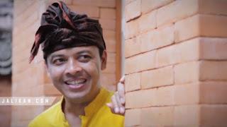 h Baju Barak Widi Widiana feat Sri Dianawati
