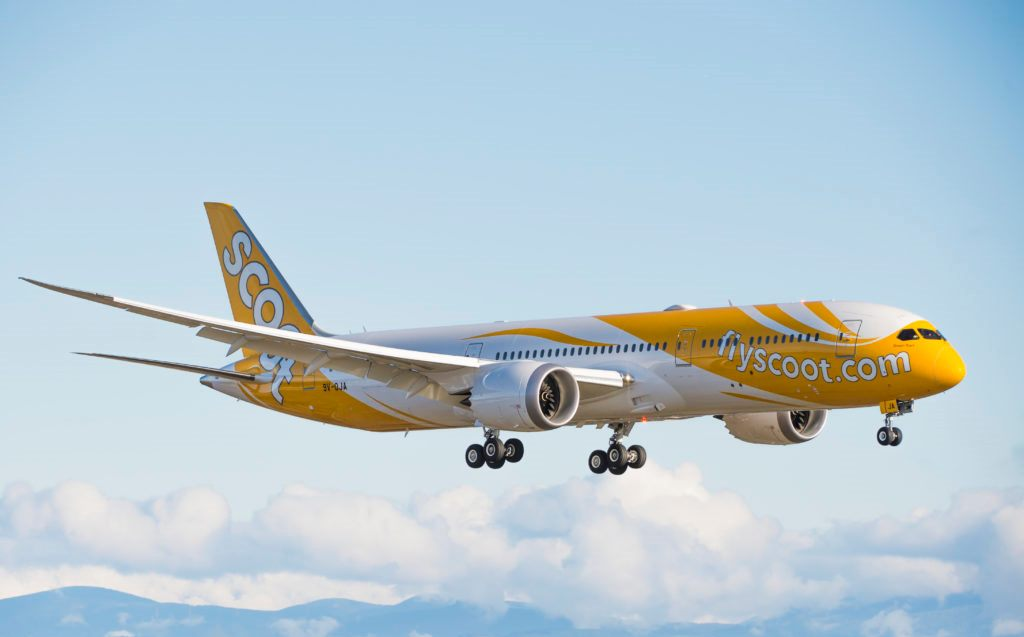 Flight Review : Pengalaman Terbang dengan Scoot, pengalaman naik scoot ke singapura, jadwal penerbangan scoot, harga bagasi scoot airlines, pengalaman naik scoot airlines, bagasi kabin scoot, fasilitas scoot airlines,