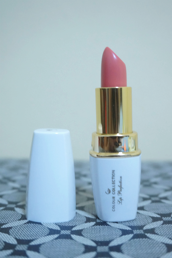 Colour Collection Lip Perfection Lipstick in Crema
