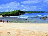 10 Spot Foto Pantai Sarangan Gunung Kidul Yogyakarta : Rute Lokasi, Harga Tiket, Fasilitas