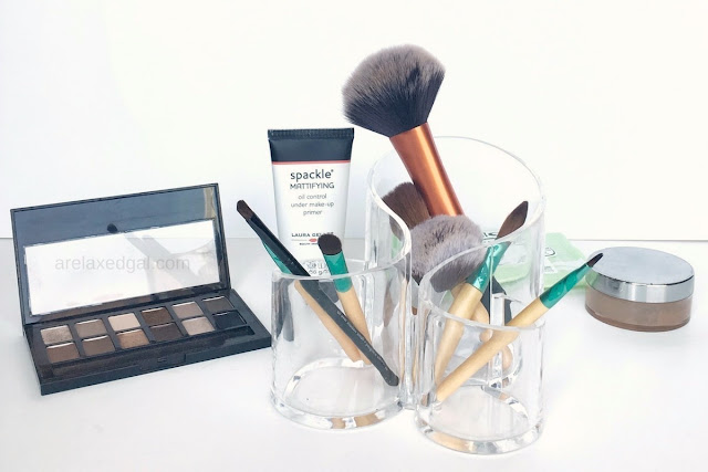 Part of having a flawless makeup look is having a clean brush. You'd be surprised how dirty they can get. Here's a 4 step cleaning process for cleaning them. | @arelaxedgal