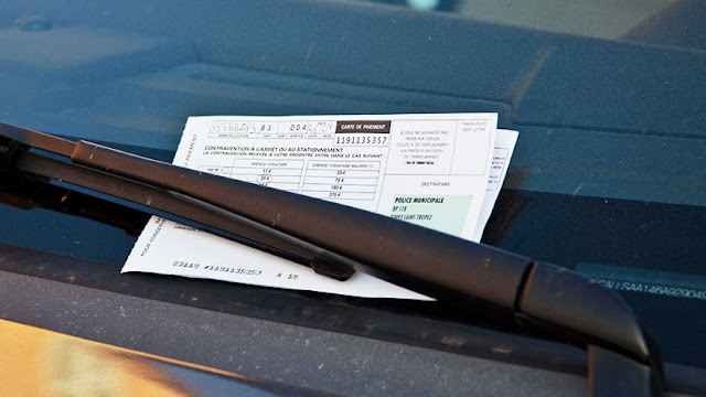 Nueva York devuelve 18 millones de dólares a conductores multados por un error en una cifra